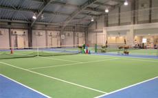 ティップネス鴨居インドアテニススクール テニスコートイメージ